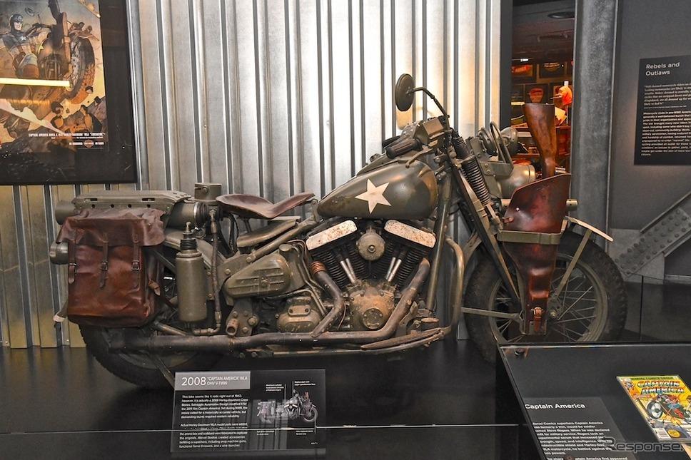映画『キャプテンアメリカ』に登場したソフテイルベースのWLA風カスタム。H-Dミュージアムで見ることができる。《撮影 青木タカオ》