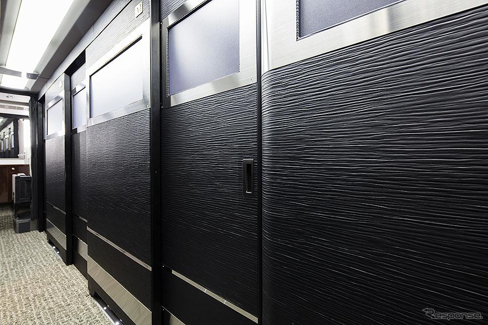 客室ドアが閉まった状態(両備ホールディングス/関東バス)