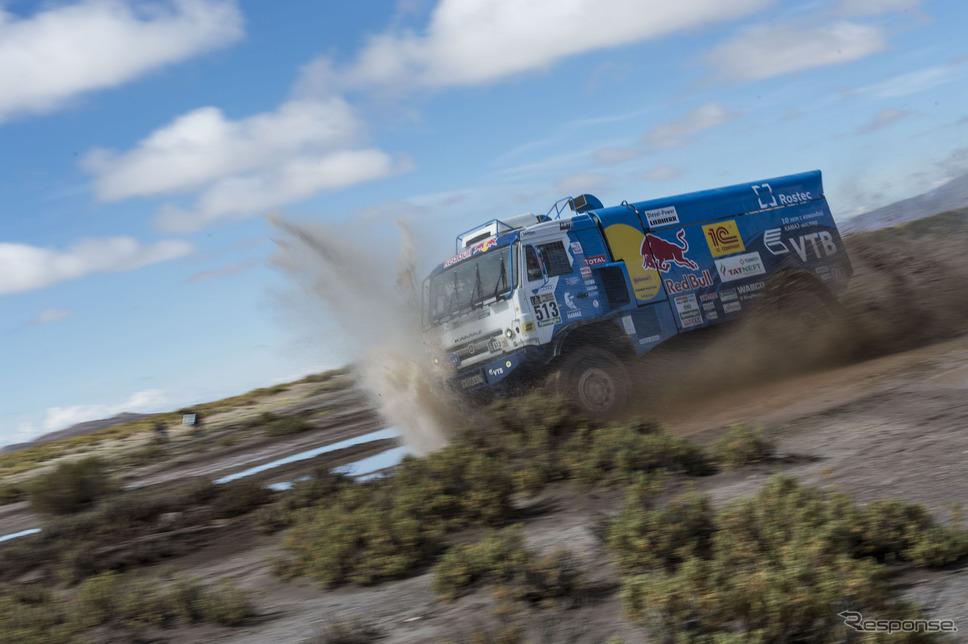 トラックの総合首位#513 D.ソトニコフ(カマズ)。〈写真:Red Bull〉