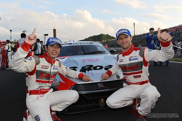 "GT-R総合優勝""0.1秒にかけた者たち"""