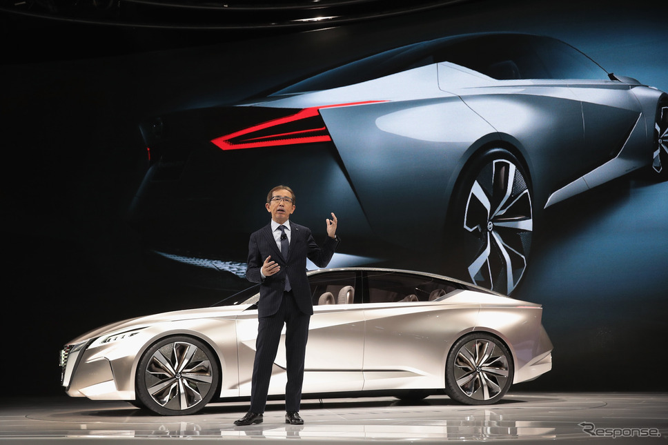 Vmotion 2.0をプレゼンする日産の中村史郎チーフクリエイティブオフィサー(デトロイトモーターショー2017) (c) Getty Images