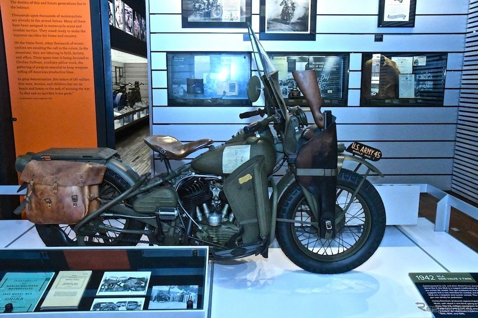 軍用として製造されたWLA(1942年)。サイドバルブVツインエンジンを搭載する。《撮影 青木タカオ》