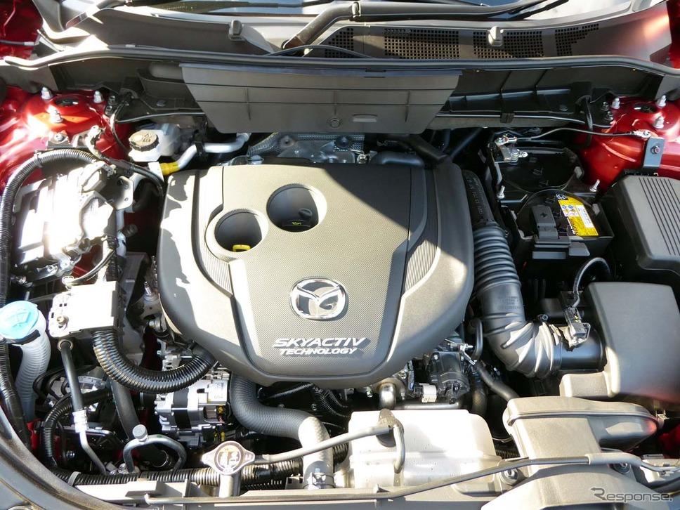 直列4気筒DOHC 2.2リッター直噴ディーゼルターボエンジン。最高出力は129kW(175PS)/4500rpm、最大トルクは420Nm(42.8kgm)/2000rpm