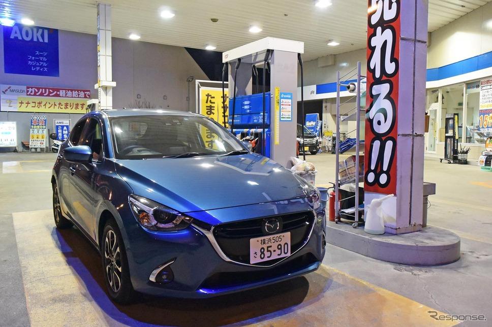 鹿児島では軽油価格が税込み120円という店も。給油機の価格表示が外税ということも多い。良心経営のスタンドに立ち寄る機会がなかったため、一度だけ給油。《撮影 井元康一郎》