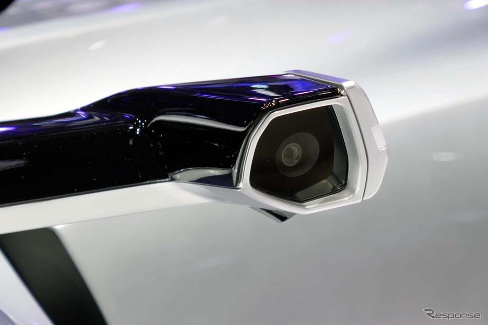電子ミラーに使われるカメラも装備されていた