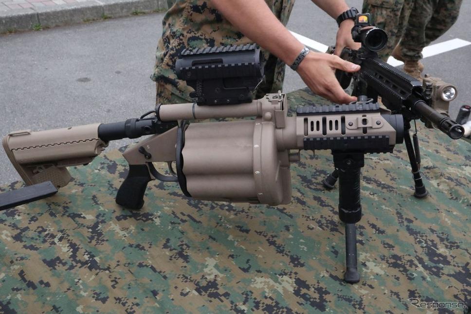 携帯可能で連射ができる擲弾筒《撮影 中尾真二》