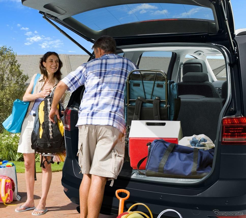 VW ゴルフ トゥーラン TSI コンフォートライン テック エディションラゲージルームイメージ