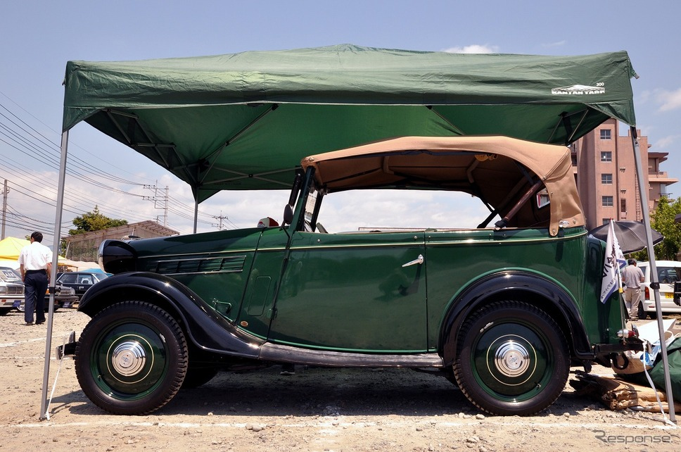 ダットサン 17型フェートン 1938年嶽宮 三郎