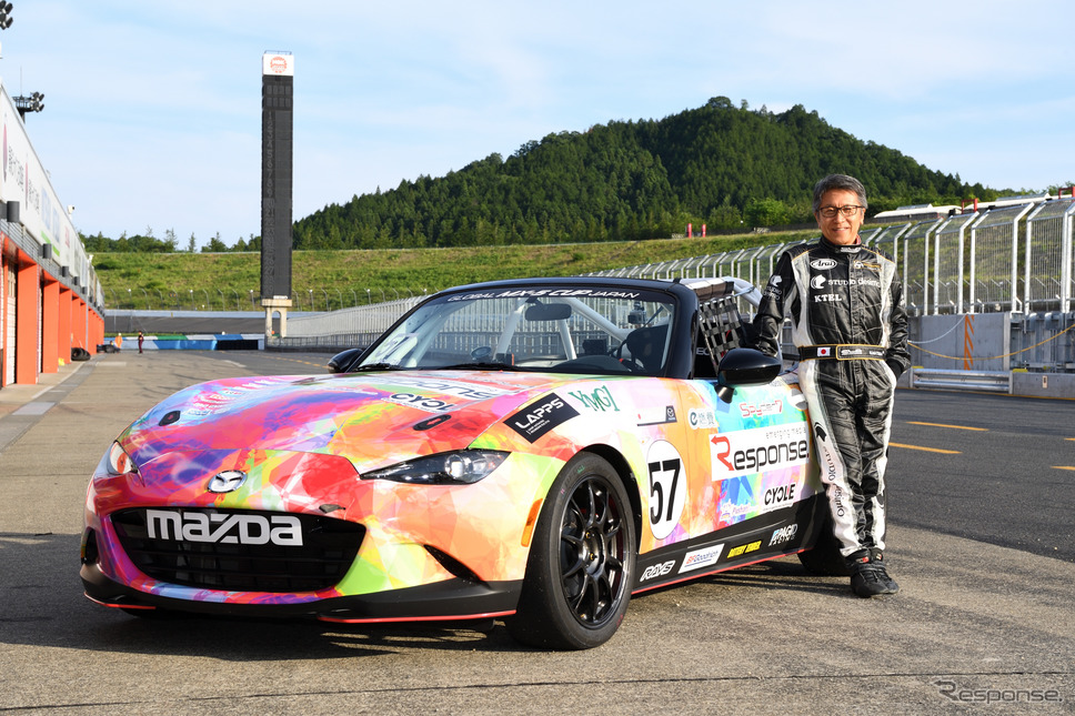 決勝レースをドライバー松田秀士がレポート《撮影 雪岡直樹》