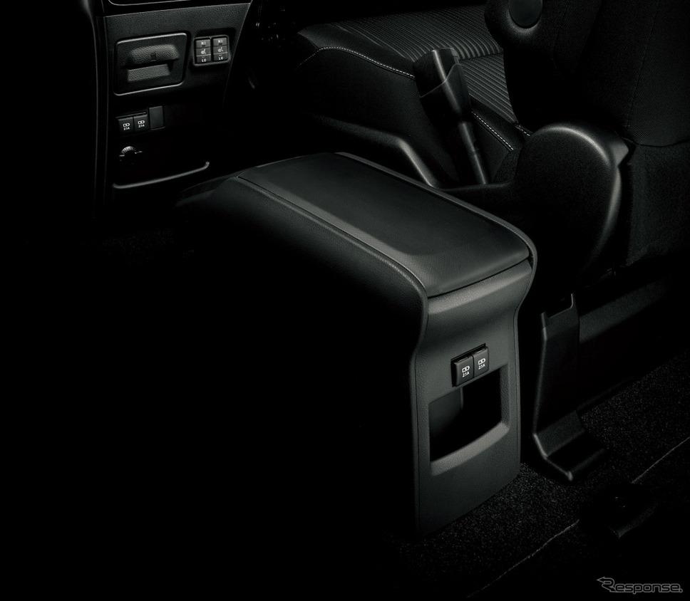 トヨタ ノア 独立型センターコンソールボックス+充電用USB端子2個