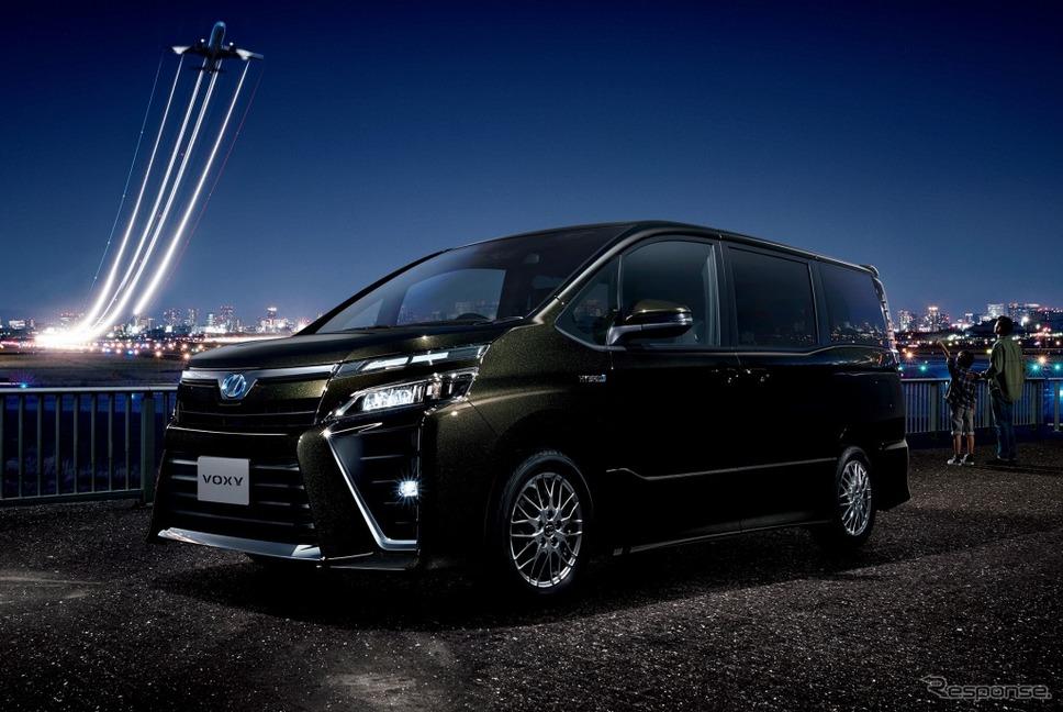 トヨタ ヴォクシー ZS(ハイブリッド車)