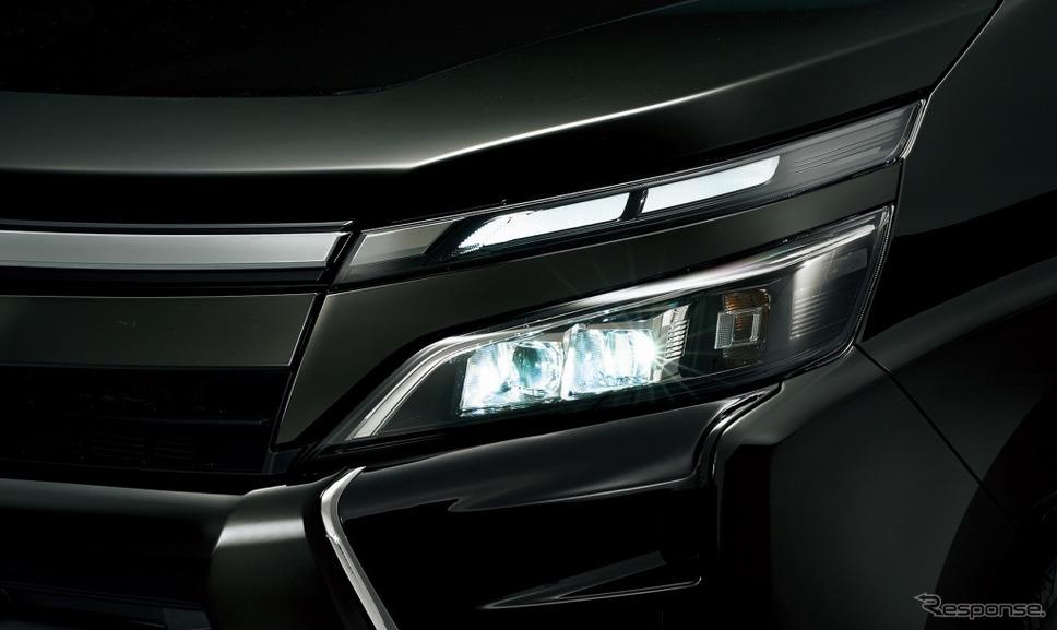 トヨタ ヴォクシー Bi-Beam LEDヘッドランプ(オートレベリング機能付)+LEDクリアランスランプ