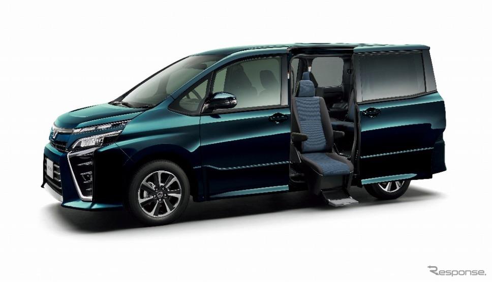 トヨタ ヴォクシー ウェルキャブ サイドリフトアップチルトシート車 ZS(2WD)