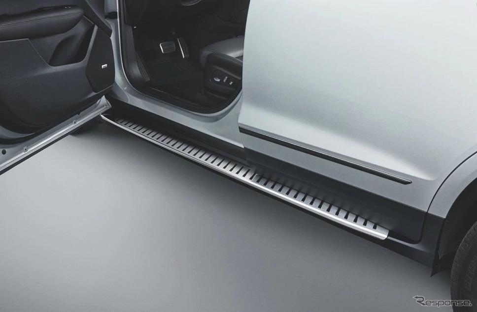 キャデラック XT5クロスオーバー ファーストリミテッドエディションアシストステップ