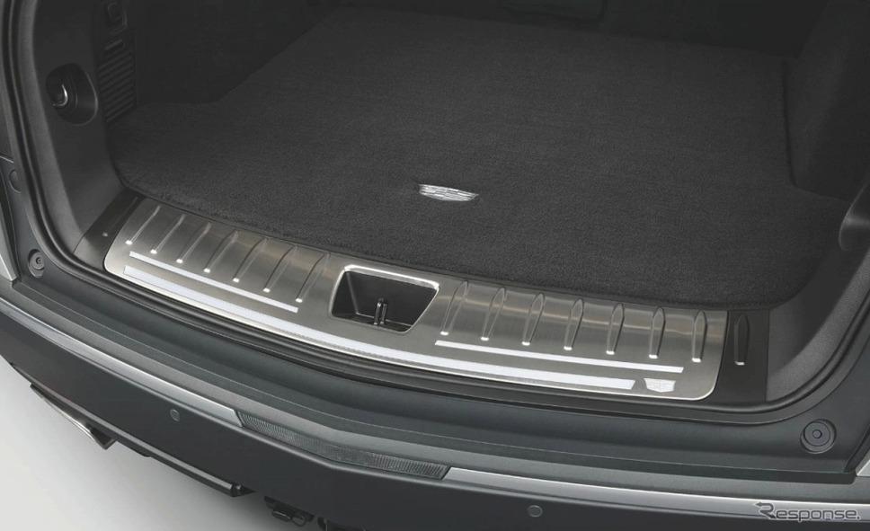 キャデラック XT5クロスオーバー ファーストリミテッドエディションイルミネーテッドシルプレート