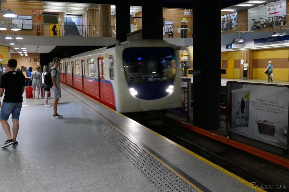 地下鉄(ワルシャワ)《撮影 関 航介》