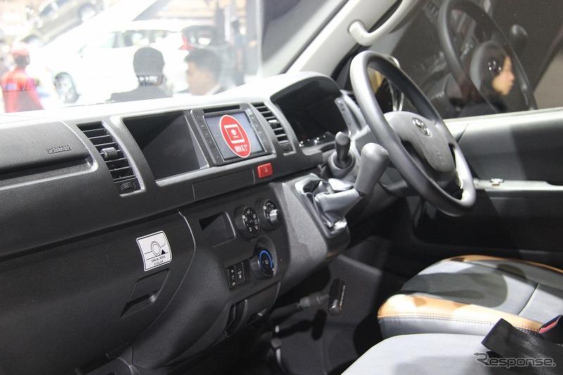 トヨタ・ハイエースのラグジャリー仕様(インドネシアモーターショー2017)《撮影 工藤貴宏》