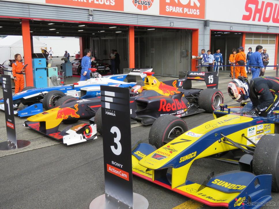 レース後、パルクフェルメに戻ってきた上位3台。《撮影 遠藤俊幸》