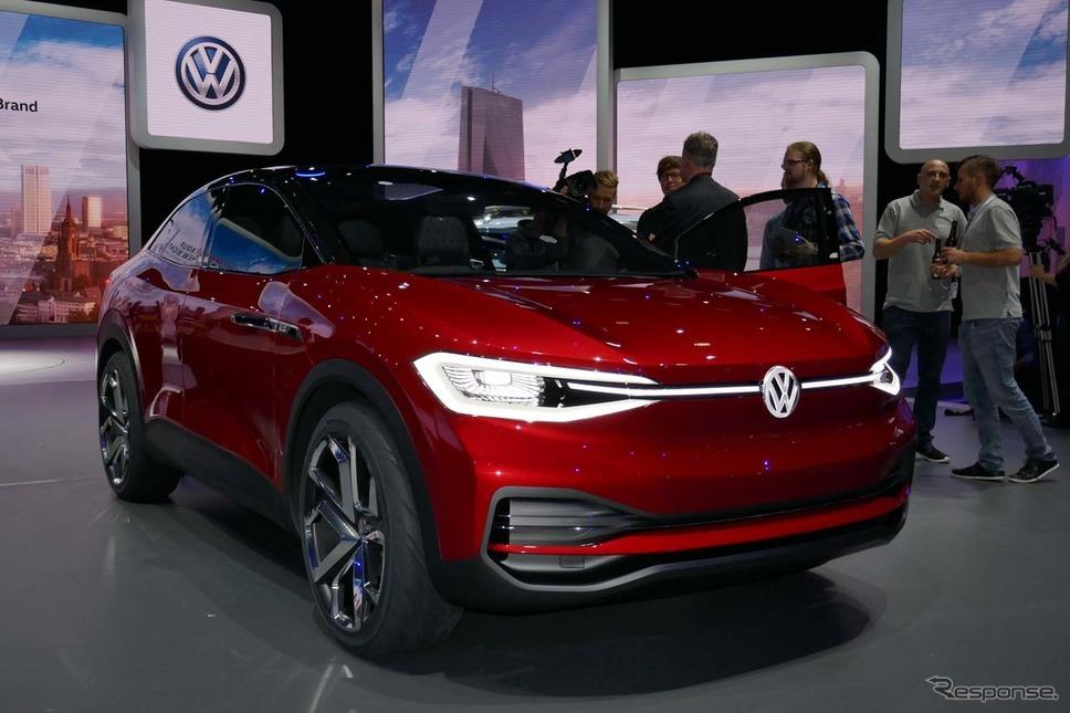 VWが発表したUVと4ドアクーペのクロスオーバースタイルの自動運転EVコンセプトモデル「I.D.CROZZ」