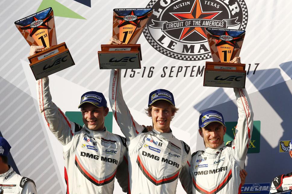 優勝クルーの(左から)バンバー、ハートレー、ベルンハルト。《写真提供 Porsche》