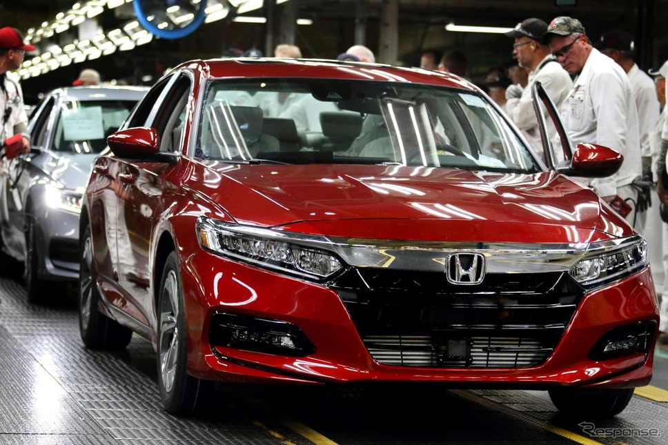 ホンダ アコード 新型の量産第一号車がラインオフした米国オハイオ州メアリーズビル工場