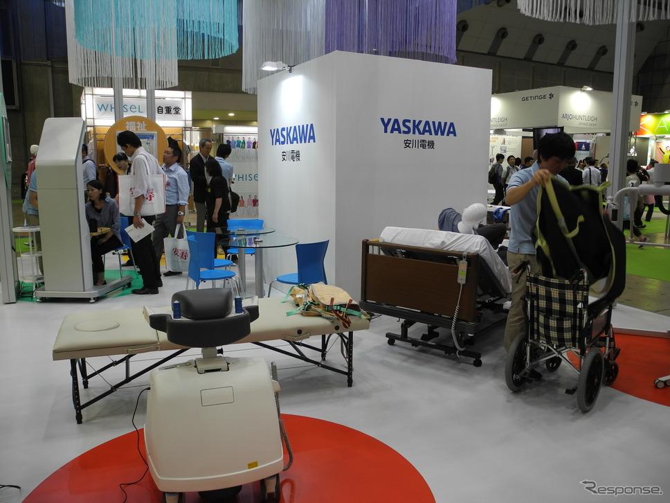 安川電機のブースの様子(福祉機器展2017)《撮影 山田清志》
