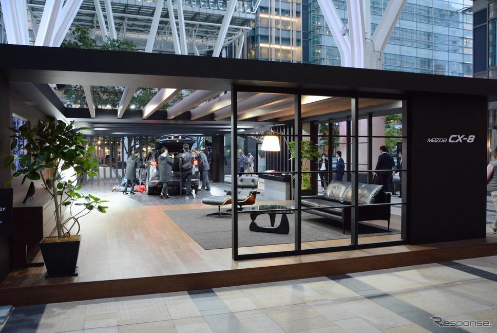 東京ミッドタウン・デザインタッチ2017でのマツダスタンド風景《撮影 古庄速人》