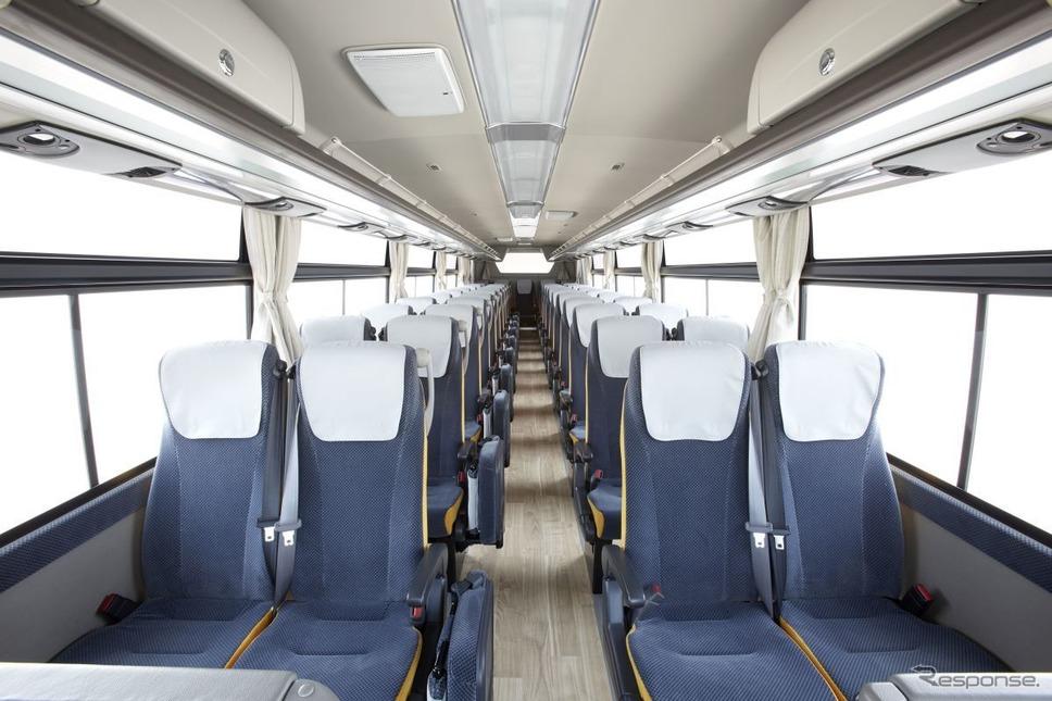エアロクイーンの座席広報資料
