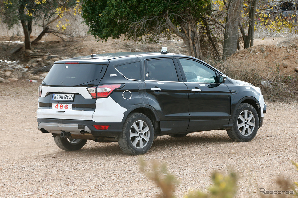 フォード クーガ 次期型テスト車両スクープ写真《APOLLO NEWS SERVICE》