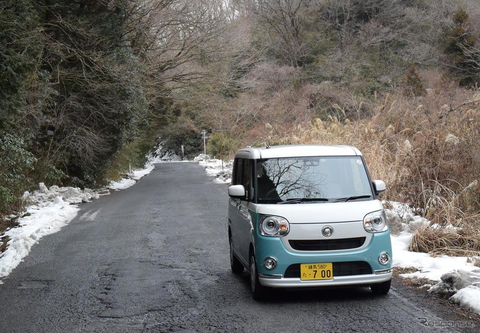 筑波山中にて。ワインディングロードはのんびり走るべし。《撮影 井元康一郎》
