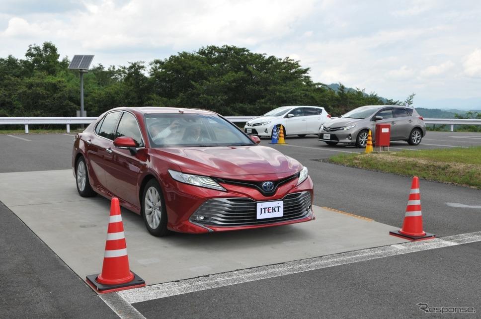 自動運転対応EPSを搭載したトヨタ・カムリの試験車両《撮影 丹羽圭@DAYS》