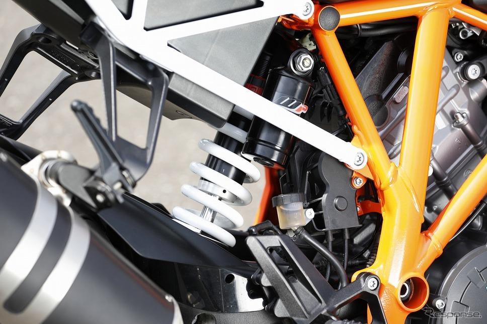 KTM 1290スーパーDUKE R《撮影 藤村のぞみ》