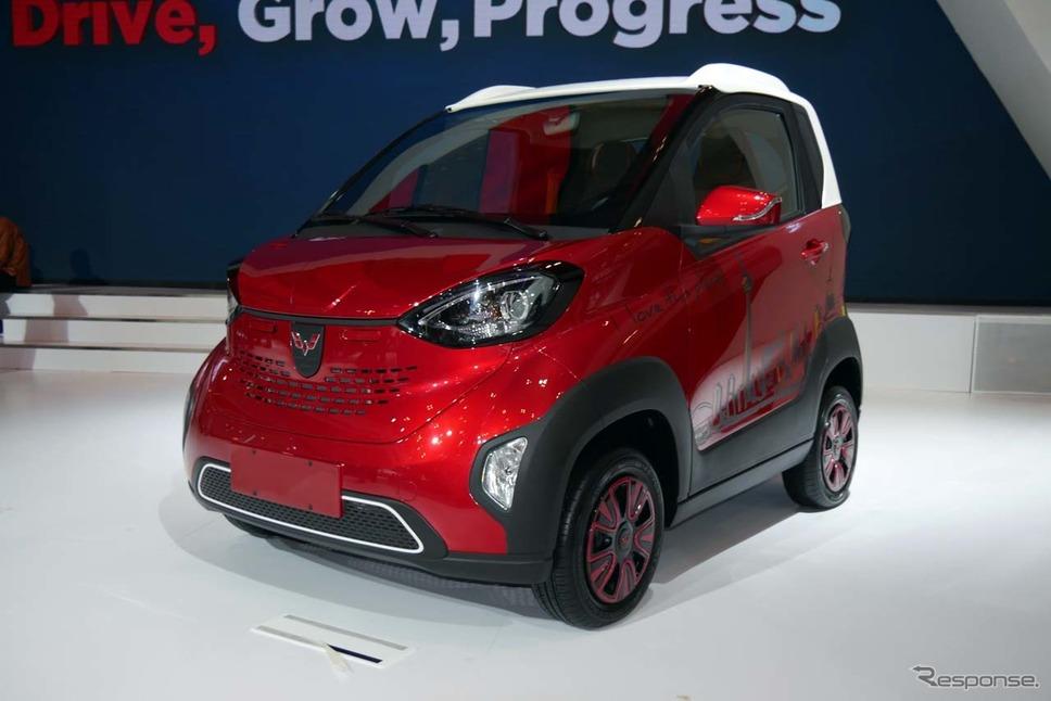 参考出品された100%EVの『E100』