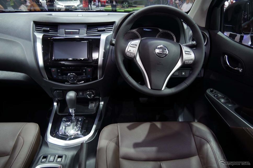 テラノ運転席周り。プレミアムSUVらしい高品質な造りが印象的《撮影 会田肇》
