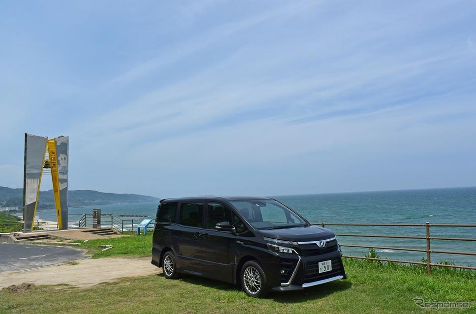 島根は出雲の西、多伎の海岸にて。《撮影 井元康一郎》