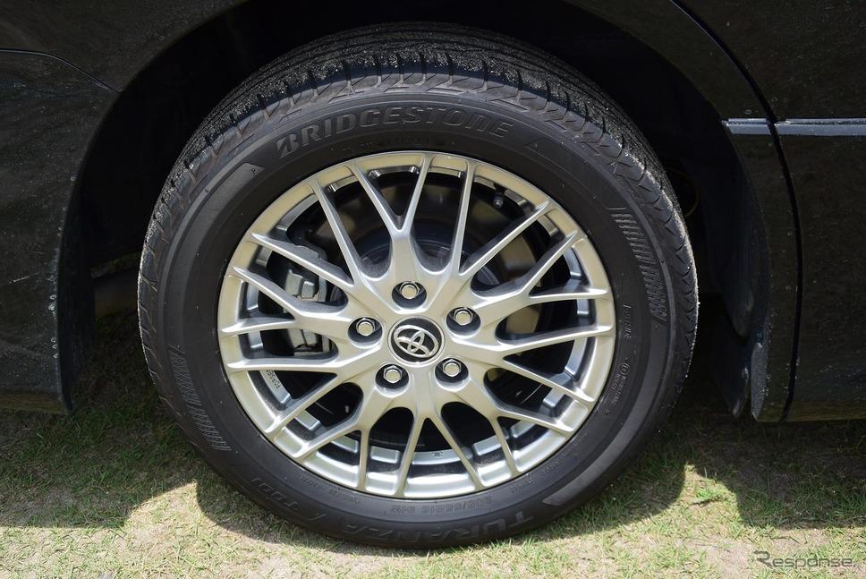 ブリジストン「トランザT001」タイヤ+16インチ鍛造ホイール。《撮影 井元康一郎》