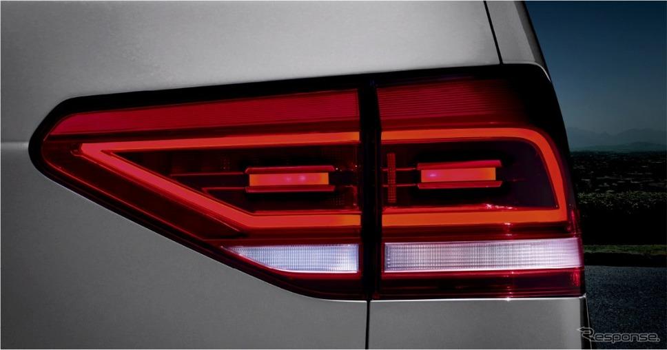 VW ゴルフ トゥーラン TDI プレミアム LEDテールランプ