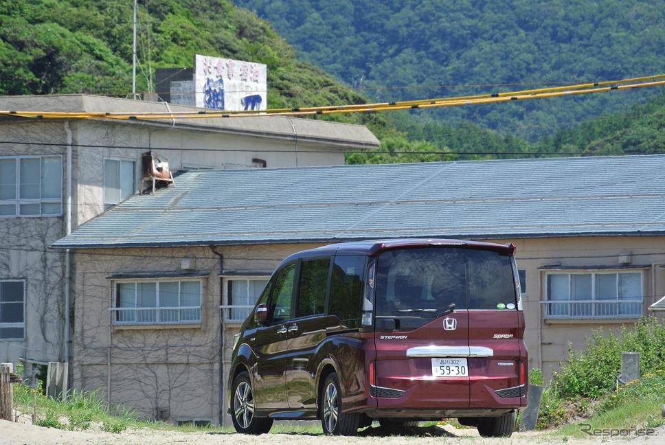 ステップワゴン スパーダ ハイブリッドG・EX ホンダセンシング。鳥取砂丘付近にて。《撮影 井元康一郎》
