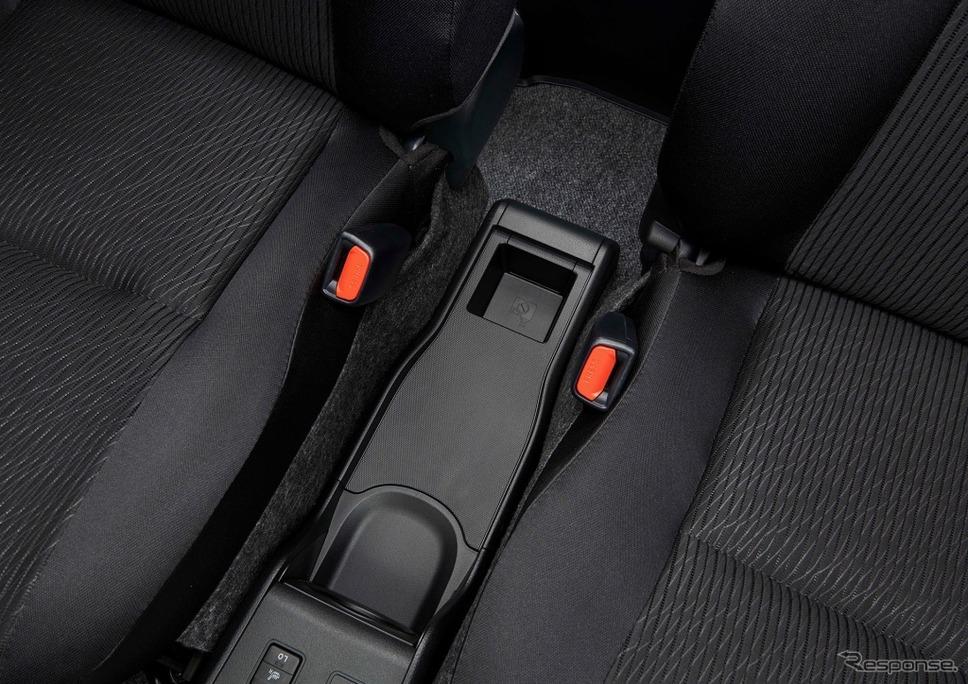 トヨタ・プロボックス/サクシード、センターコンソール小物入れ(ハイブリッド車)