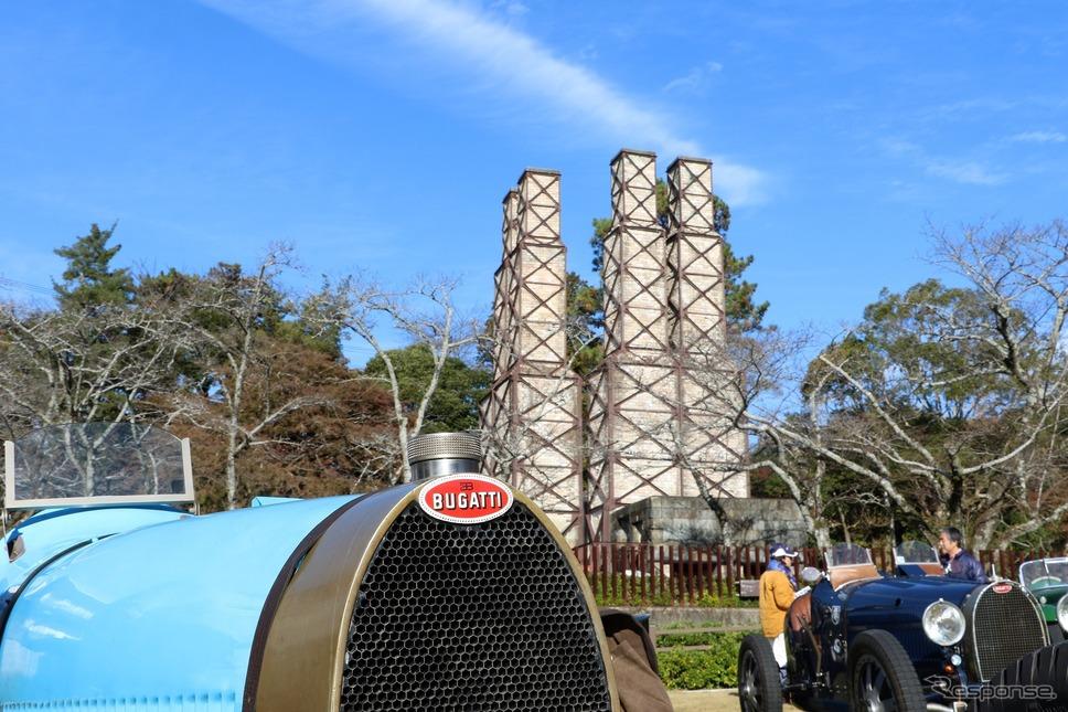 世界遺産の韮山反射炉とブガッティ T35A《撮影  内田千鶴子》