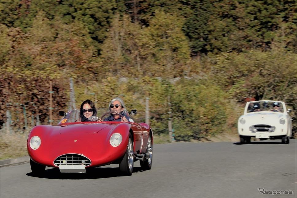 バンディーニ 750サポネッタ 後ろはシアタ アミカ《撮影  内田俊一》