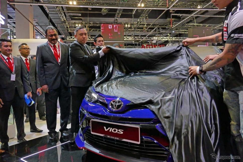 ローク運輸大臣も新型ヴィオスへの関心度は高い様子だった