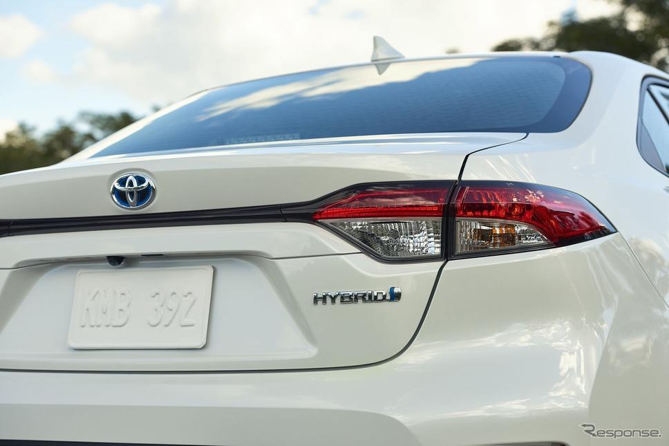 新型トヨタ・カローラ・セダン・ハイブリッド米国仕様
