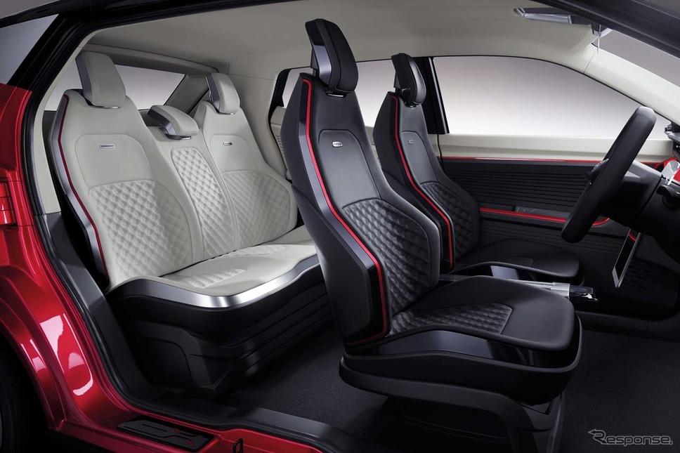 「X-Concept」車内は大人5人が座れる空間《撮影 会田肇》