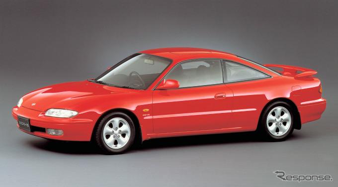 1992年に発売されたマツダMX-6。1995年末に販売を終了した。