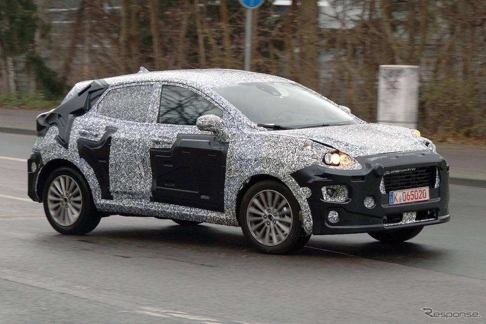 フォード 新型SUV スクープ写真《APOLLO NEWS SERVICE》