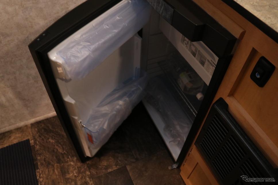 大きなサイズの冷蔵庫。こういうところにお国柄が反映される。《撮影 中込健太郎》