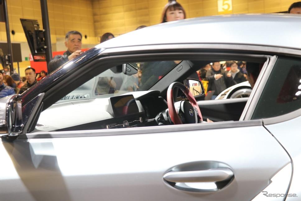 運転席にも座ることができる。一般向けのこうした機会としては、大阪オートメッセ2019が世界初の機会だという。《撮影 中込健太郎》
