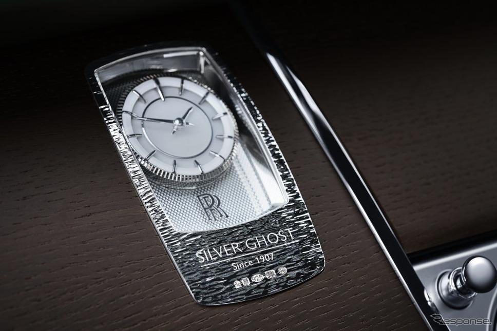 ロールスロイスの35台限定車「シルバーゴーストコレクション」に備わる純銀製ケースを備えた時計