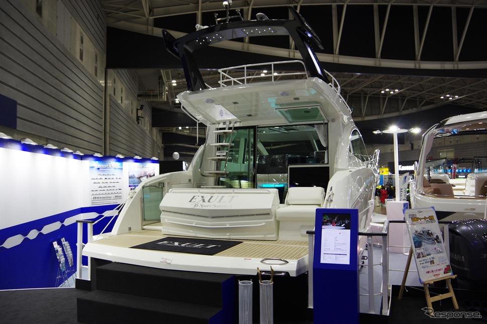 シースタイルチャーターで利用できる超高級ボート「イグザルト36 スポーツサルーン」(ジャパンインターナショナルボートショー2019)《撮影 宮崎壮人》